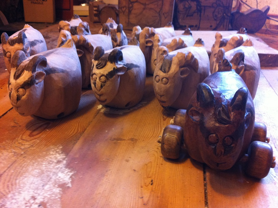 木头羊艺术雕刻图片