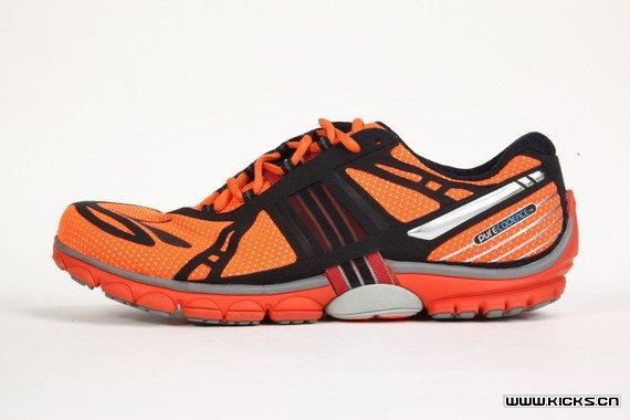 世界四大名跑鞋_四大跑鞋之——布鲁克斯2013新款 pure2 纯正天然派